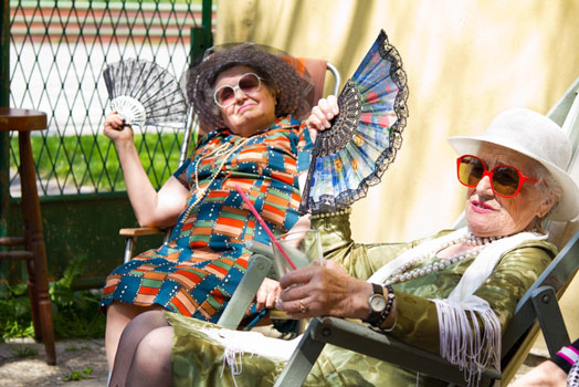 Seniors in Vancouver WA beating the summer heat
